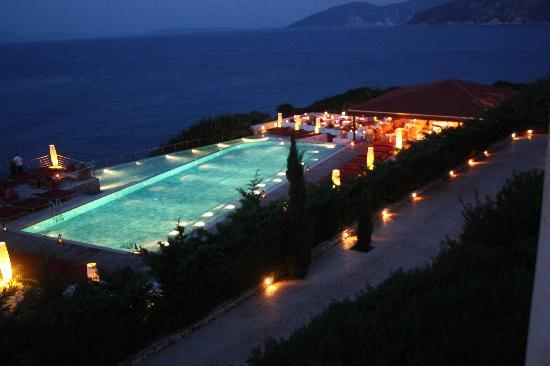 Fiscardo, Grecia: pool at night