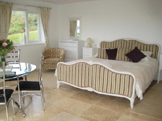 Denham House: Sunnyside