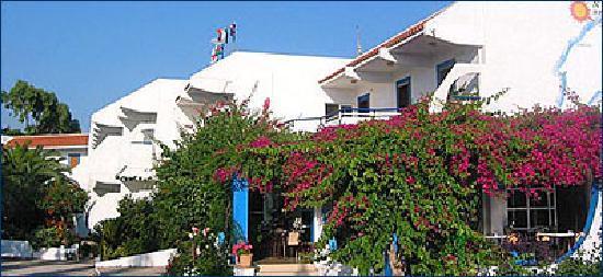 Nirvana Beach Hotel : nirvana hotel