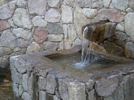 Les Calanche : fonti in montagna corsica