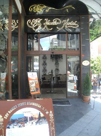 Sky Kamer Boutique Hotel: entrée de l'hotel
