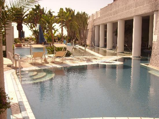 Romantica Resort & Spa: una parte delle 14 piscine persenti
