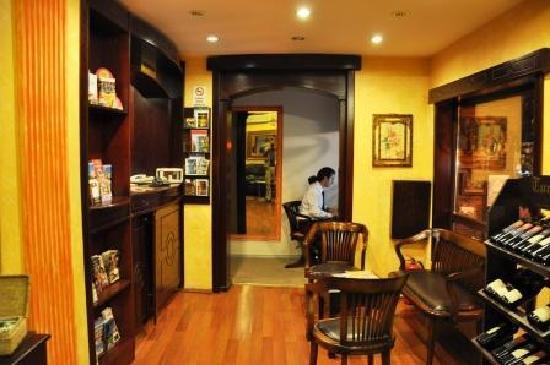 Adora Hotel: Lobby/Reception