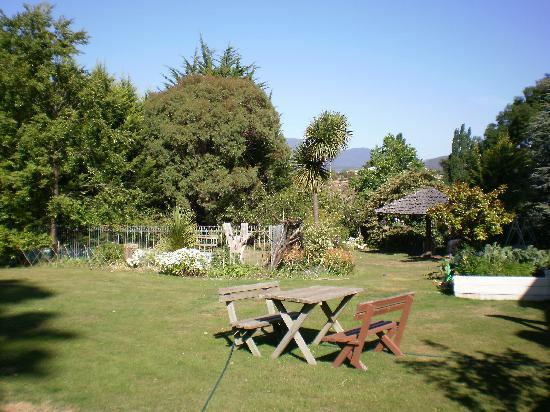 Explorers Lodge: GARDEN