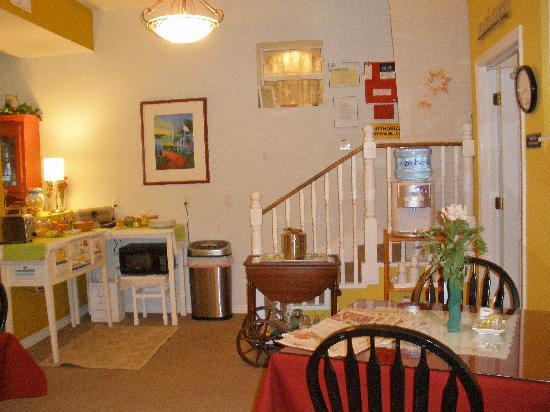 Ibis Bed & Breakfast: The breakfast room