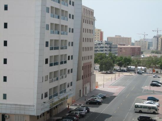 Jormand Hotel Apartments : vue du balcon de la chambre