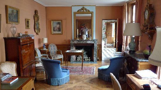 Manoir de Beauregard: downstairs public lounge