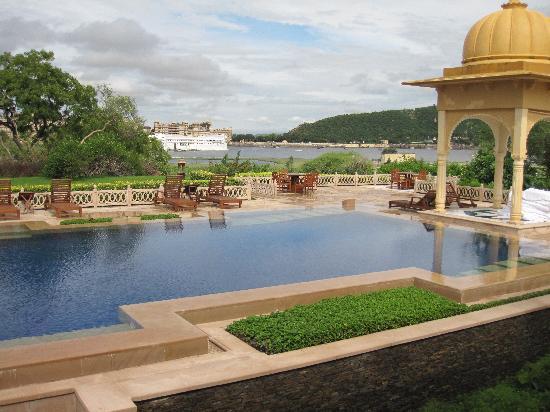 The Oberoi Udaivilas: the main pool