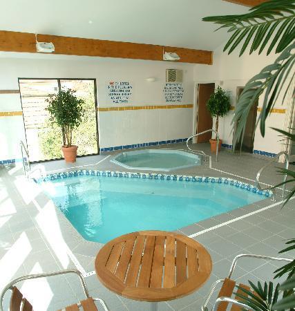 Pendra Loweth: Splash pool