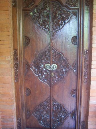 Laghawa Beach Inn: Front door