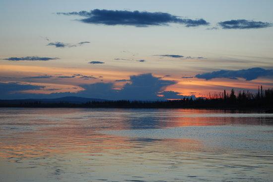 Northern Alaska Tour Company: Yukon River Sunset