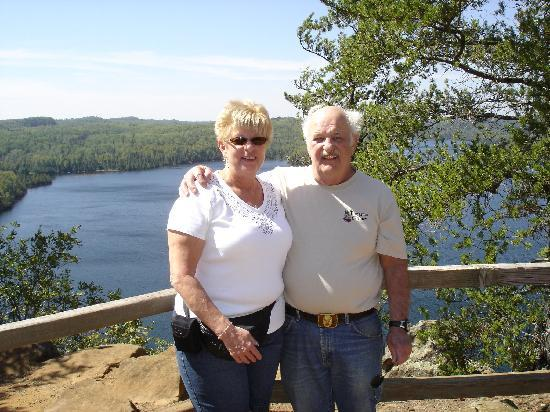 Hungry Jack Lodge & Campground: Jean and I atop Honeymoon Bluff at the east end of Hungry Jack Lake