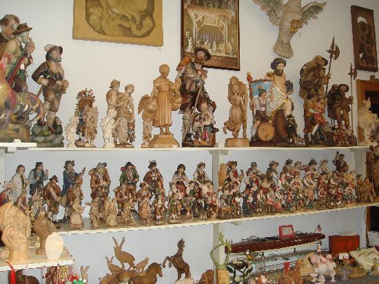 Oberammergau, Tyskland: Small shop with souvenir
