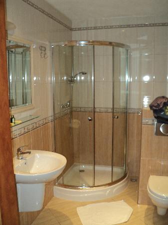 Hotel Artur : Beautiful Bathroom