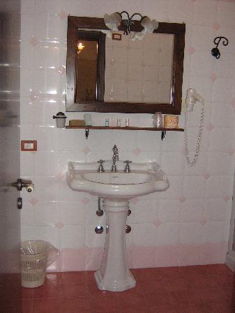 Hotel Palazzo degli Archi: bagno