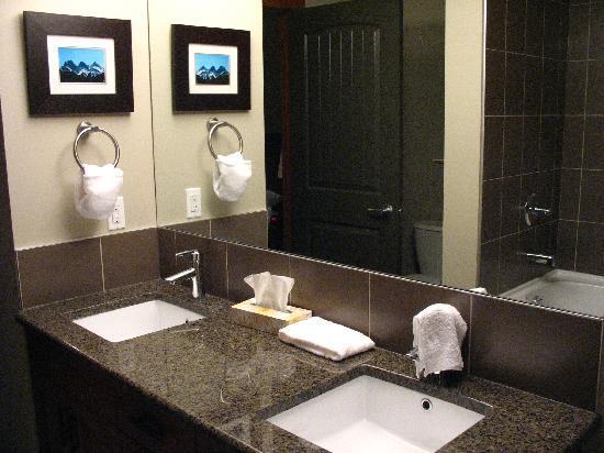 Stoneridge Mountain Resort by CLIQUE : Bathroom