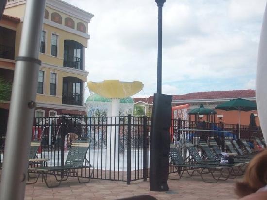 Emerald Greens Condo Resort: Splash zone for kids