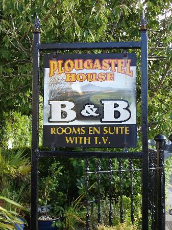 Plougastel House B&B: Sign