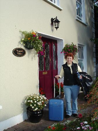 Plougastel House B&B: Front Entry