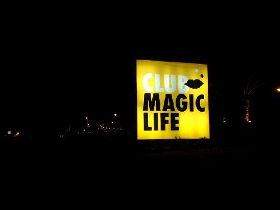 TUI Magic Life Sharm el Sheikh: Naff looking sign - dont let it put you off.