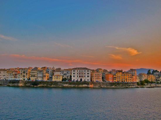 Πέλεκας, Ελλάδα: Living Corfu