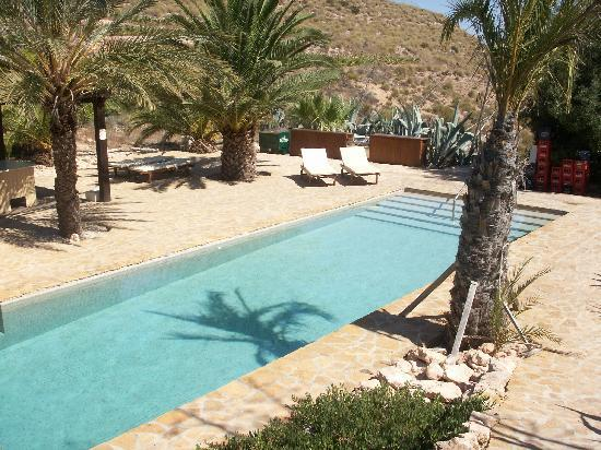 La Almendra y El Gitano: Hotel pool