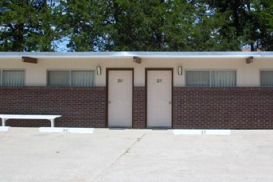 Western Holiday Motel : Room entrance