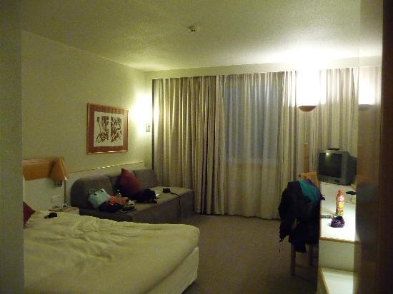 Novotel Brussels City Centre Hotel: room