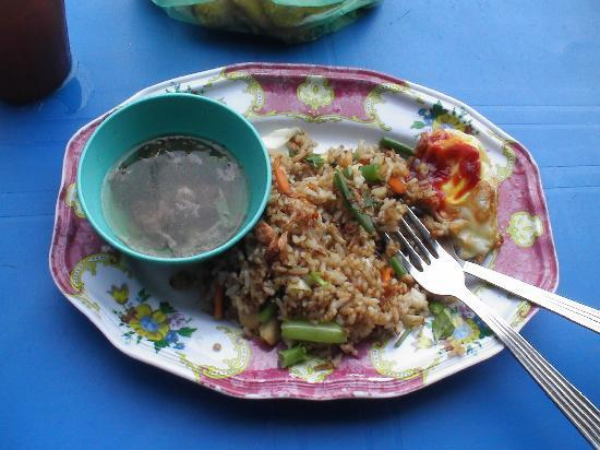 Perlis, Malasia: Traditionelles Essen am Fährhafen