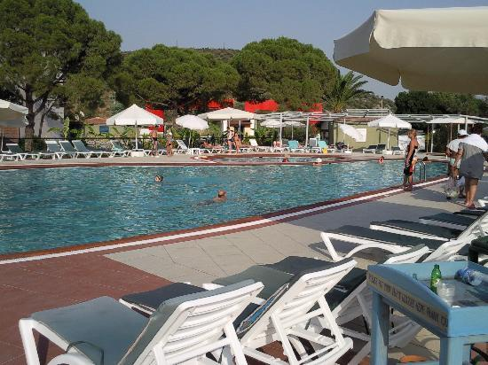 Ephesia Holiday Beach Club: piscine eau de mer