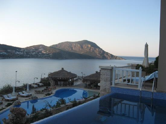 Likya Residence and Spa: View from infinity just before sunrise!