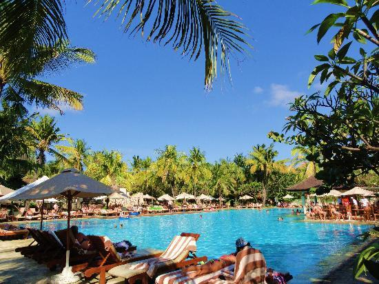 Padma Resort Legian : la piscine en aout