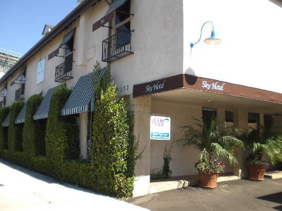 L.A. Sky Boutique Hotel: l'esterno