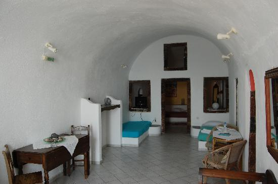 Uranos Traditional Houses: Single beds