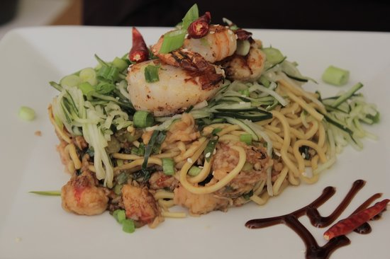 Sesame Asian Kitchen: seared scallops and shrimp over a lo mein of lobster, chili peppers and scallion