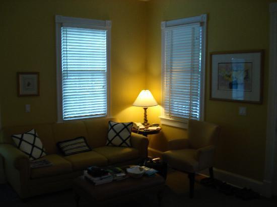 Marquesa Hotel : sitting area in junior suite