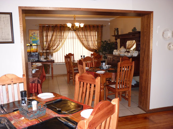 Sunrock Guesthouse: Breakfast room