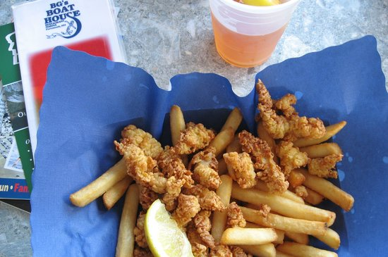 BG's Boathouse : Clam strip basket at BG's