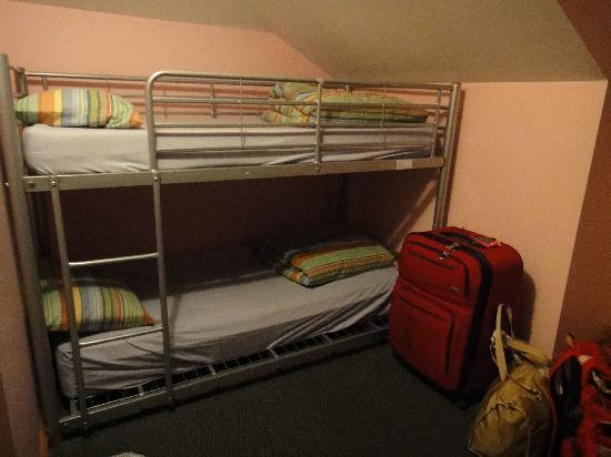 Narrara Backpackers: 6-beds female dorm