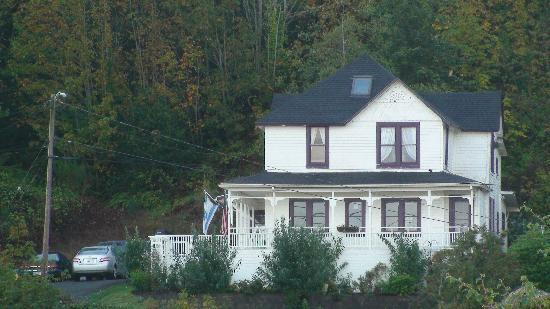 Benjamin Young Inn: Close up of The Goonies House