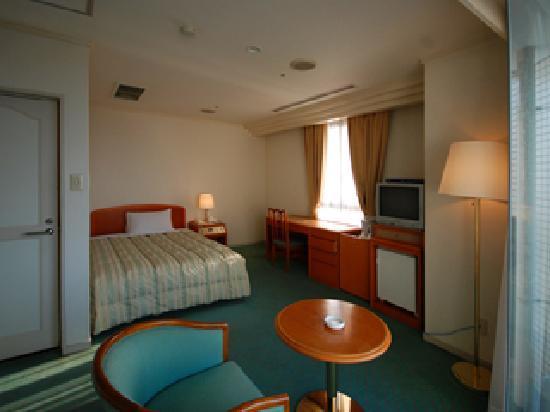 Nagasaki International Hotel : 泊まった部屋は広めのシングルルームで ゆっくり寛ぐことができました。