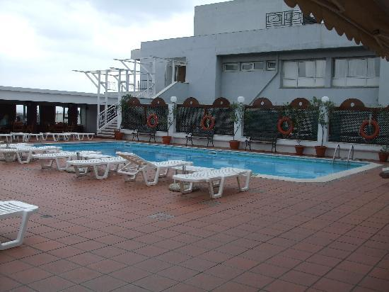 Capsis Hotel Thessaloniki : rooftop pool