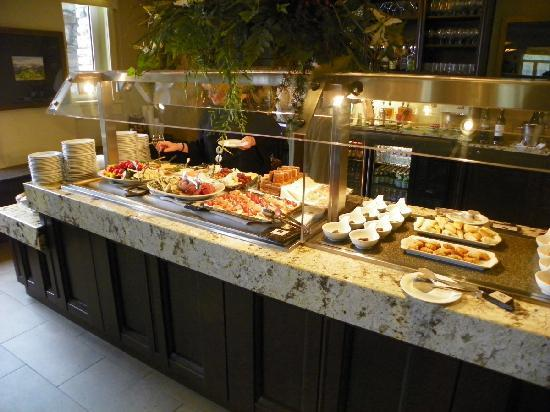 Evening Appetizers Are Out In The Gold Floor Lounge Picture Of