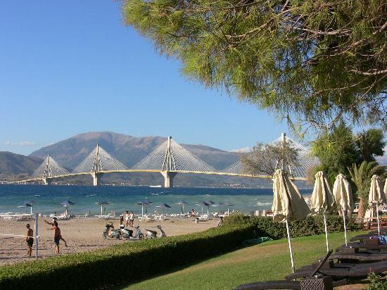 Rio, Hellas: New bridge from the hotel pool area