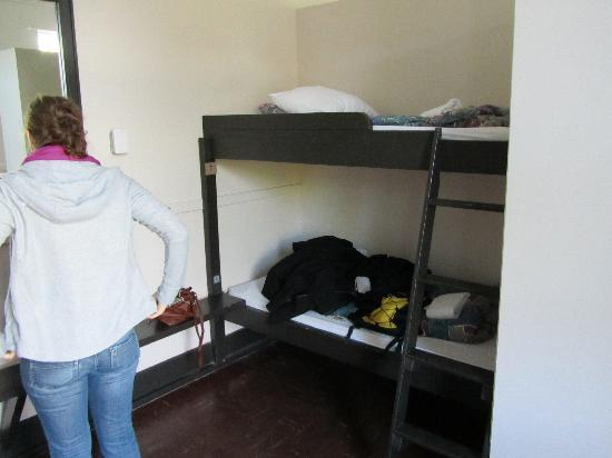 Hostelling International Vancouver Jericho Beach Hostel: bunks