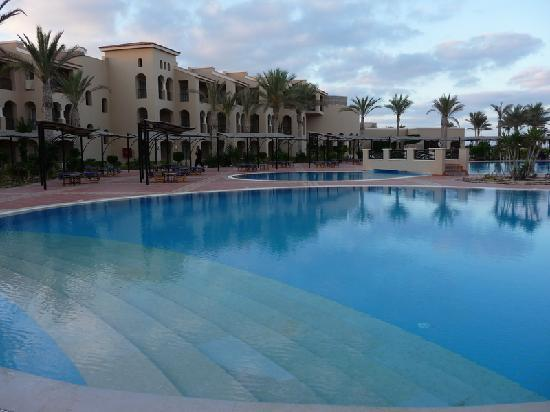 Jaz Almaza Beach Resort: villaggio 1