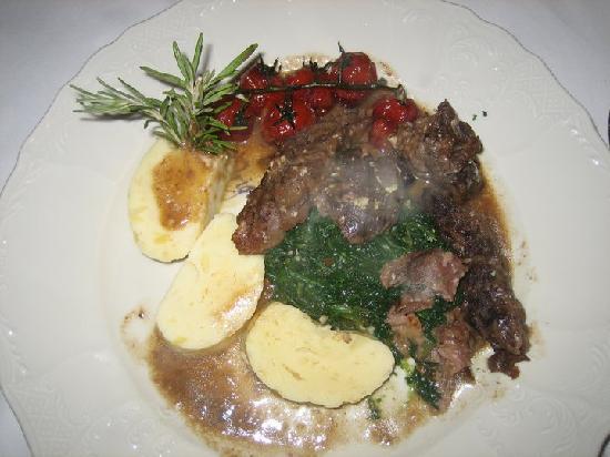 King Solomon - Glatt Kosher Restaurant : Carne di vitello con spinaci e patate