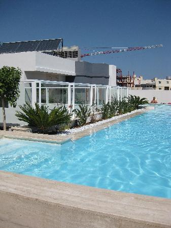 The George Hotel: Rooftop Pool