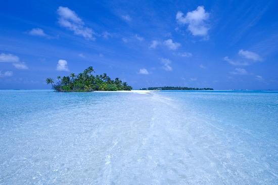 Rihiveli by Castaway Hotels & Escapes: Sunrise Island