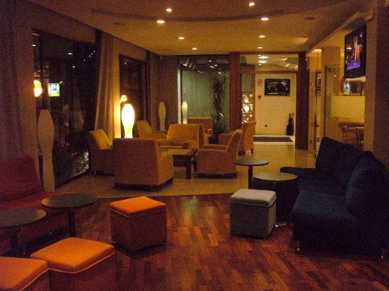 Hotel Acacias Suites & Spa : bar area